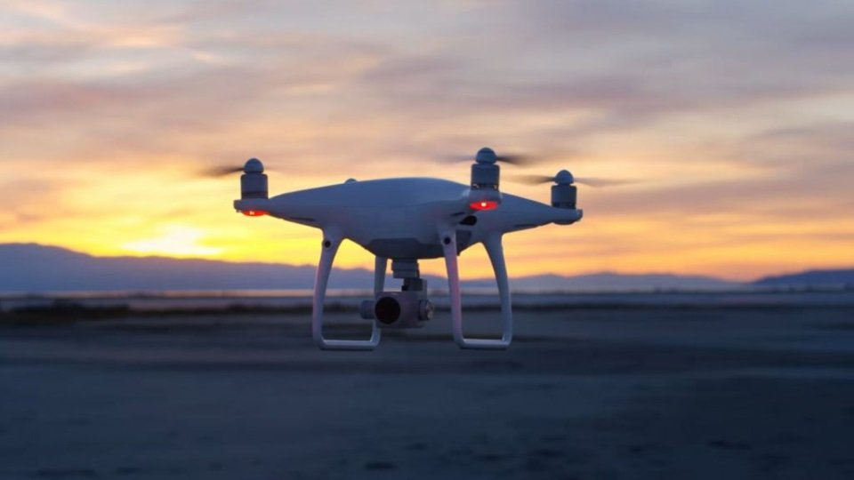 Phantom 4 Pro Drone Best For Hobbyists, Professionals, and Beginners